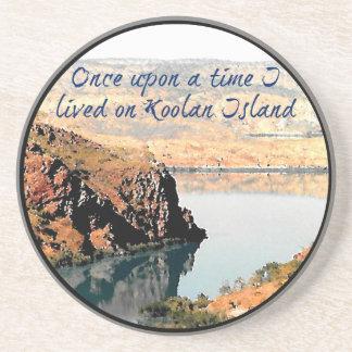 Viví érase una vez en la isla de Koolan Posavasos Personalizados