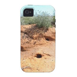 Viviendas del Critter del desierto en arena roja iPhone 4 Fundas