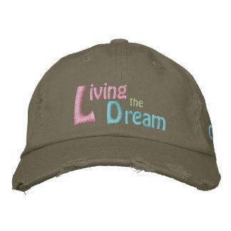 Viviendo el sueño del Dr. Martin Luther King, Jr. Gorras Bordadas