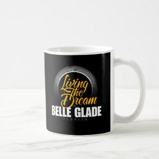 Viviendo el sueño en el claro de la belleza tazas de café