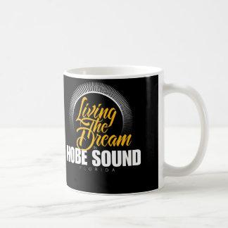 Viviendo el sueño en el sonido de Hobe Taza