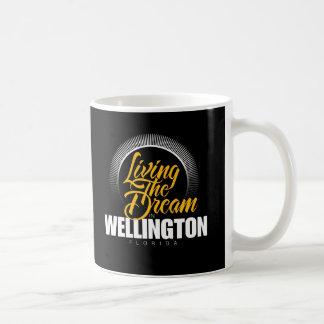 Viviendo el sueño en Wellington Taza Básica Blanca