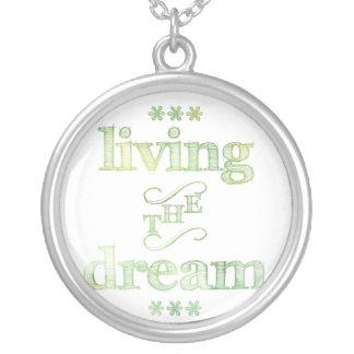 Viviendo el verde del sueño joyería