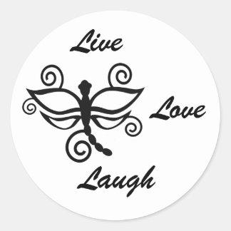 Vivo, ame, ría, la libélula digital blanca del pegatina redonda