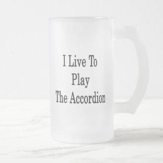 Vivo para jugar el acordeón taza
