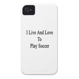 Vivo y amo jugar a fútbol iPhone 4 fundas