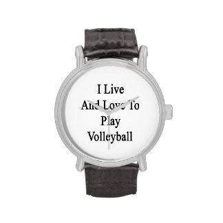 Vivo y amo jugar a voleibol