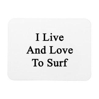 Vivo y amo practicar surf imán de vinilo