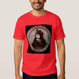 Vlad el Impaler, Drácula, vampiro Camisas