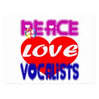 Vocalistas del amor de la paz postal
