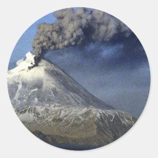 Volcán de Kanaga, isla de Kanaga, Aleutians Pegatina Redonda