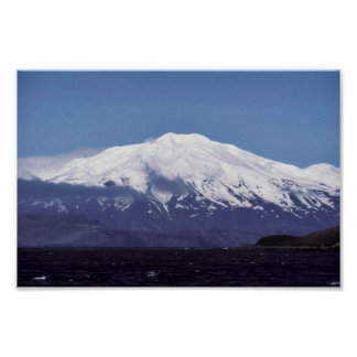 Volcán de la isla de Kiska Impresiones