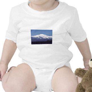Volcán de la isla de Kiska Trajes De Bebé