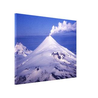 Volcán de las islas Aleutian Impresión En Lona Estirada