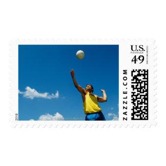 Voleibol de la porción del hombre sellos
