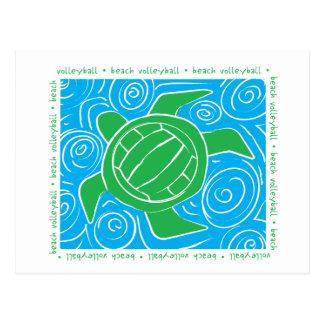 Voleibol de playa de la tortuga tarjeta postal