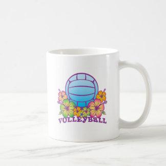 Voleibol de playa del flor taza de café