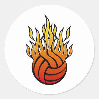 Voleibol llameante etiquetas redondas