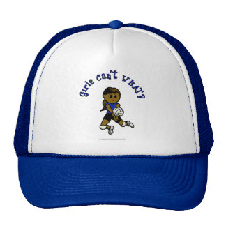 Voleibol oscuro de los chicas en uniforme del azul gorro de camionero