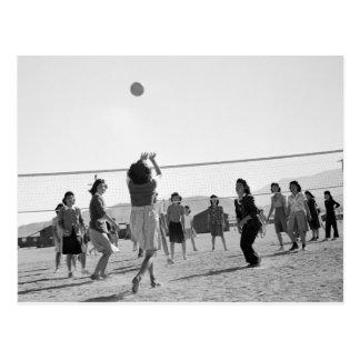 Voleibol WW2 del juego de los chicas de Manzanar Tarjeta Postal