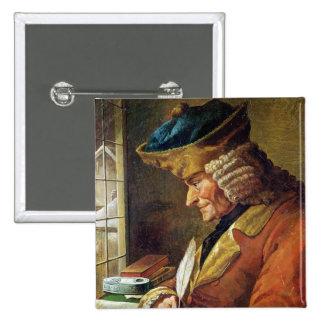 Voltaire en su estudio pin cuadrada 5 cm