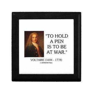 Voltaire para sostener una pluma debe estar en la joyero cuadrado pequeño