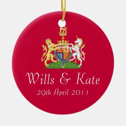 Voluntades y ornamento real del recuerdo del boda adorno navideño redondo de cerámica