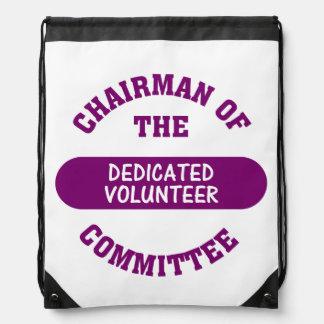Voluntario dedicado mochila