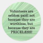 Voluntarios inestimables etiqueta redonda