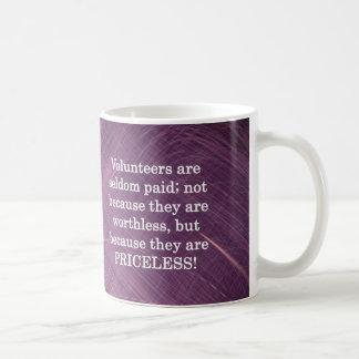 Voluntarios inestimables taza