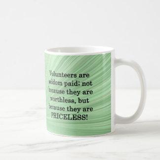 Voluntarios inestimables tazas de café