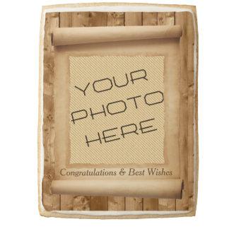 Voluta de la mirada del pergamino con la foto y el