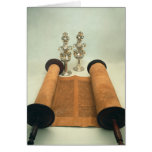 Voluta de Torah con los finials de plata de la cor Tarjeta De Felicitación
