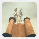 Voluta de Torah con los finials de plata de la Pegatina Cuadrada