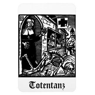 Vom Totentanz Nun and Skeleton magnet