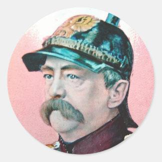 Von Bismarck con el subtítulo (public domain) Pegatina Redonda