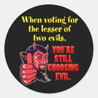Votación por menos de dos males pegatina redonda