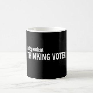 Votante de pensamiento independiente taza clásica