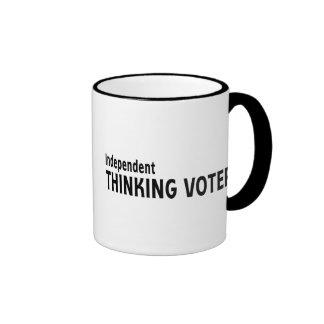 Votante de pensamiento independiente taza de dos colores