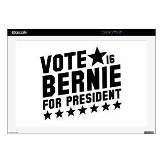 """Vote Bernie 2016 17"""" Laptop Decals"""