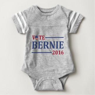 Vote Bernie Sanders 2016 T-shirt