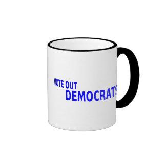 Vote hacia fuera a Demócratas Taza De Dos Colores