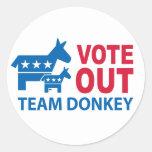Vote hacia fuera el burro del equipo pegatinas redondas
