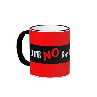 Vote no por presidente taza de dos colores
