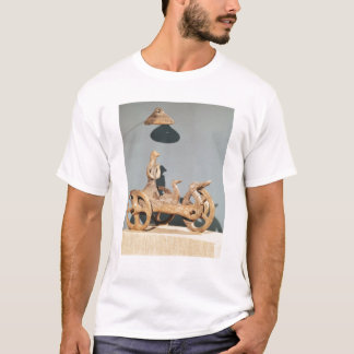 Votive chariot with an anthropomorphic divinity T-Shirt
