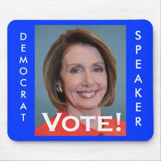 Voto Nancy Pelosi Mousepads