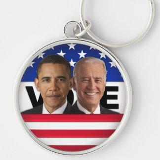 Voto Obama y Biden Llavero Redondo Plateado