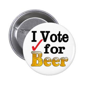 Voto por la cerveza pin redondo de 2 pulgadas