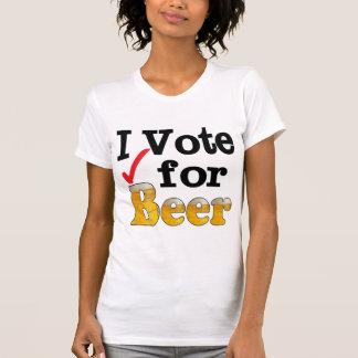 Voto por la cerveza camisetas