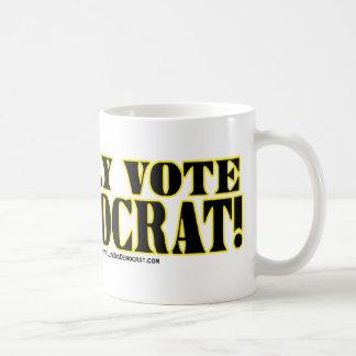 ¡Voto solamente a Demócrata! Taza De Café
